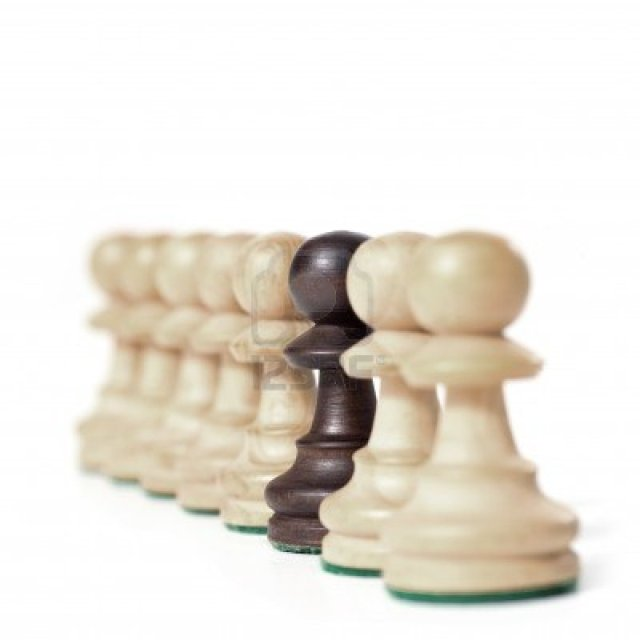 9913967-chess-game-white-prawns-in-a-row-with-black-one-exclusivity-concept