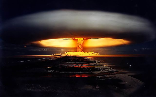 explosion-bomba-atomica
