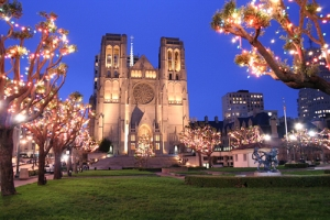 grace_cathedral_and_the_holiday_lights